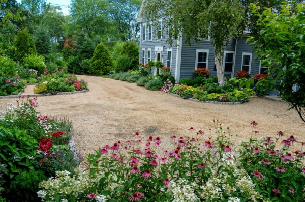 FarmHouseGardens_3-600x397