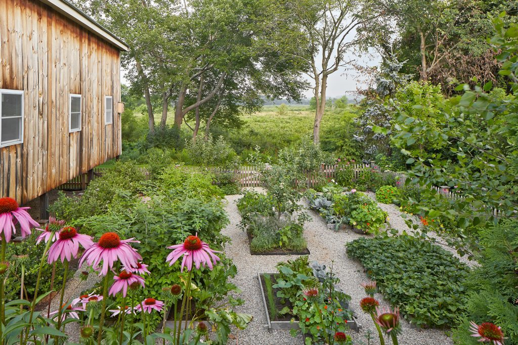 FarmHouseGardens_5-600x400